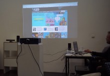 Joe showing the Vuo website